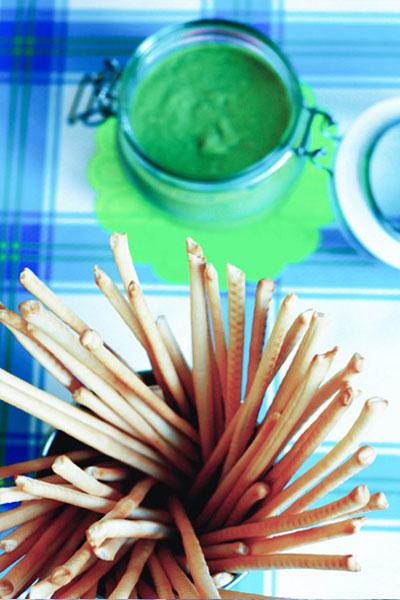 Dip de guisantes, puerro y wasabi.