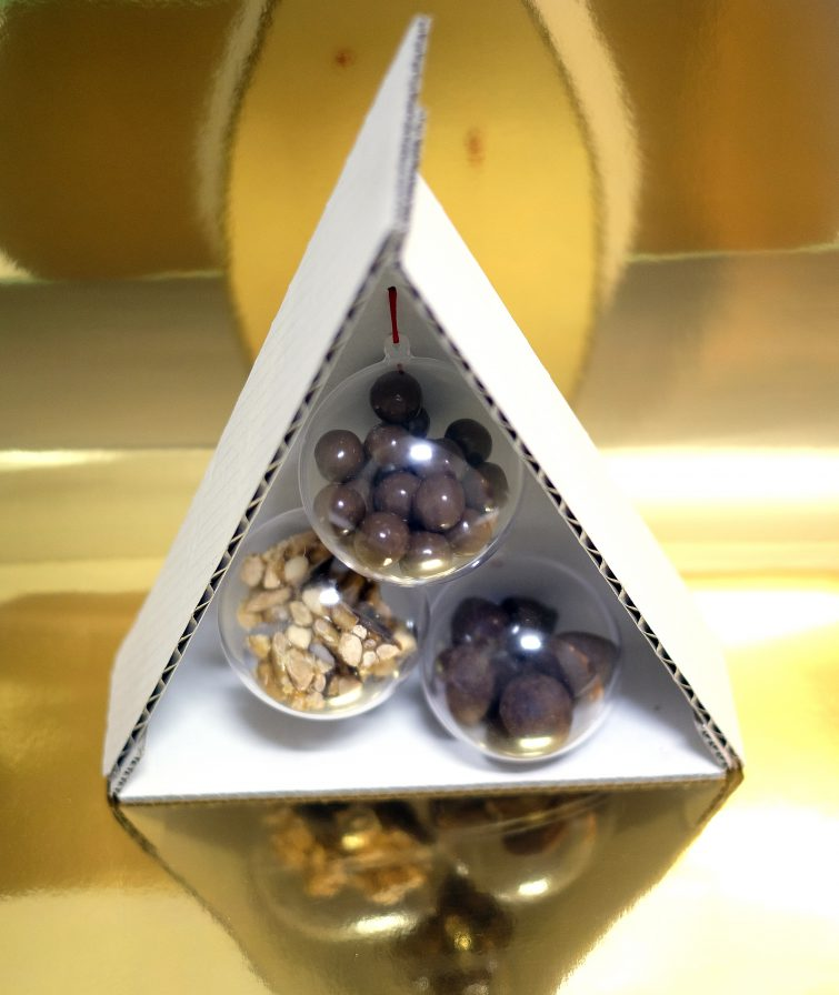 Christams Tree Balls_Bombons_by FOOD & EVENT