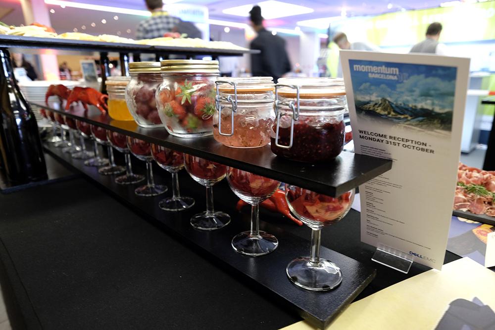 momentumbarcelona16-spanish-fiesta-bottles-wine-bulls-red-marmelades-desig-foodandvent