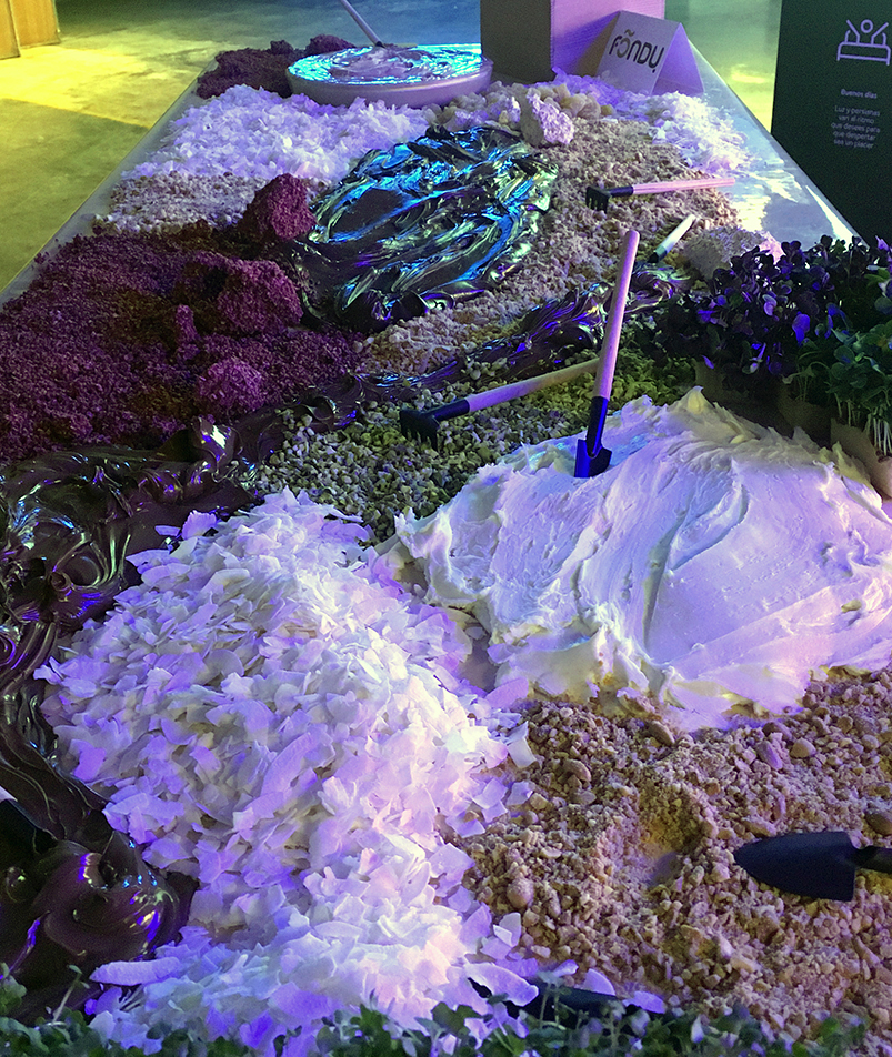 chocolate-river-landscape-installation-foodandevent.low