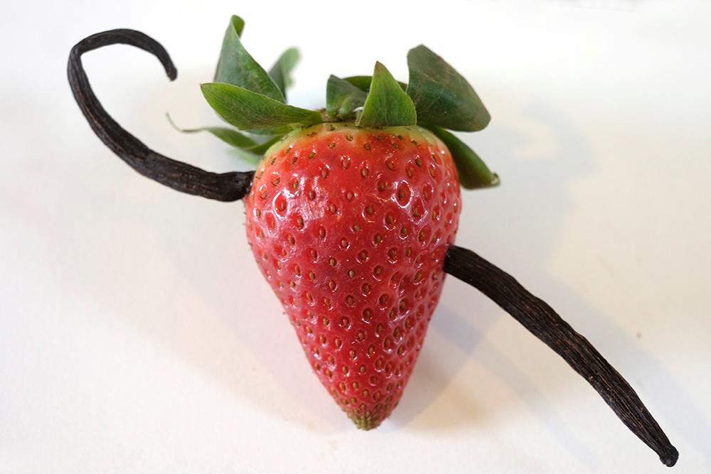 spicy-love-food-concept-strawberry-vanilla-foodandevent